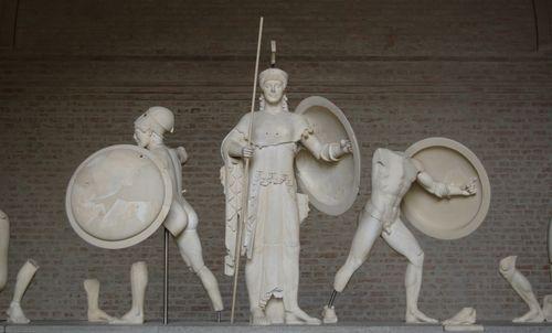 Aphaia_pediment_5_central_Glyptothek_Munich