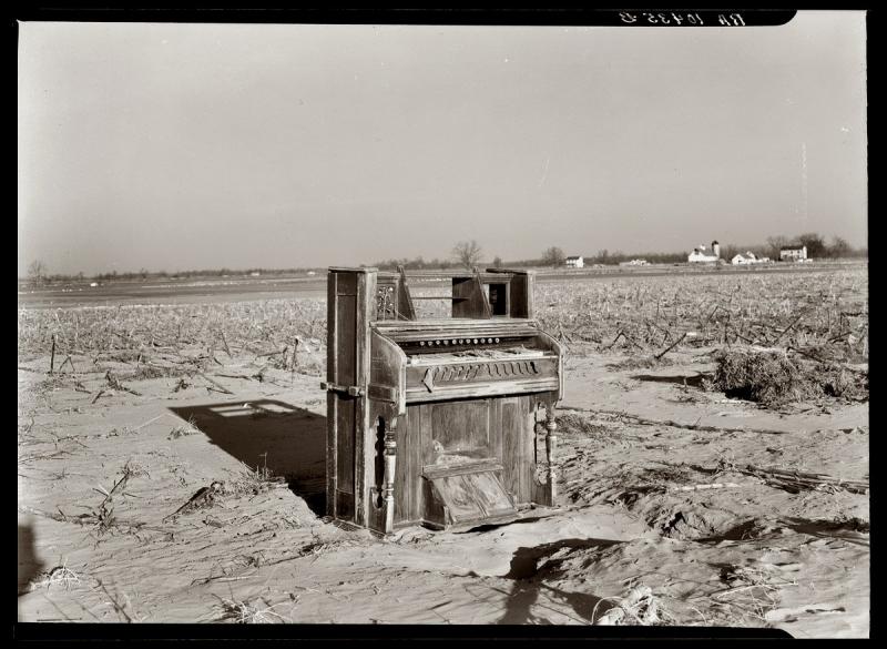 Flood piano 1937